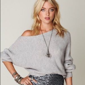 FREE PEOPLE▪️Knitted Off the Shoulder Wool Sweater
